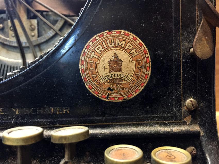 1919-triumph-typewriter-08