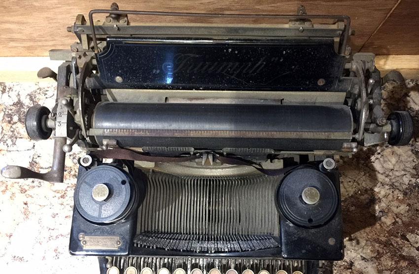 1919-triumph-typewriter-10