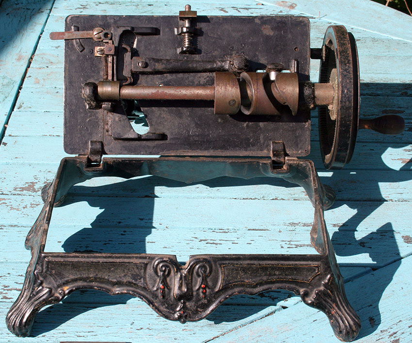 1879 Thomas McGrah Sheffied Triumph sewing machine 70